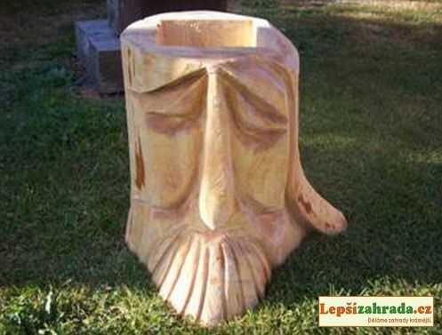 Dřevěný květináč hlava dědek