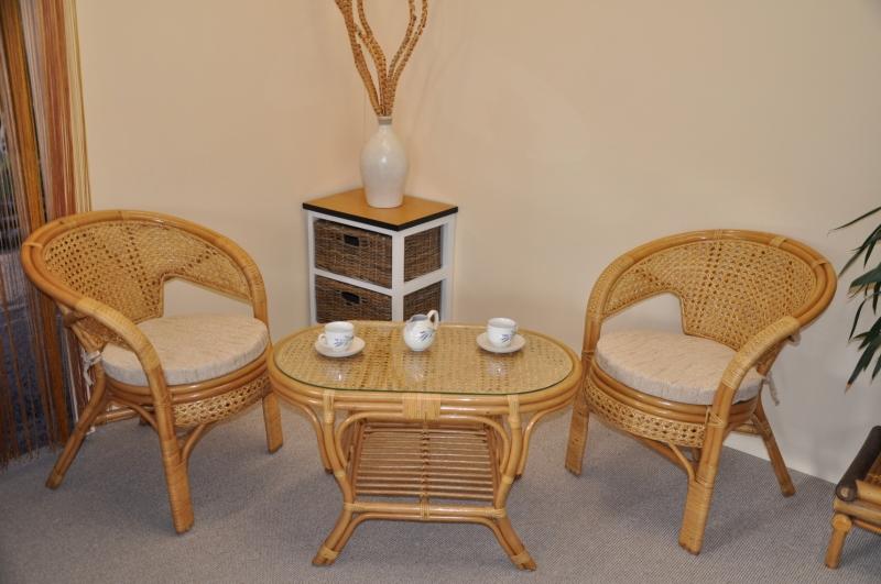 Ratanová sedací souprava Kina malá medová stolek ovál, polstry Ebony SLEVA 7 % | RYCHLÉ DODÁNÍ