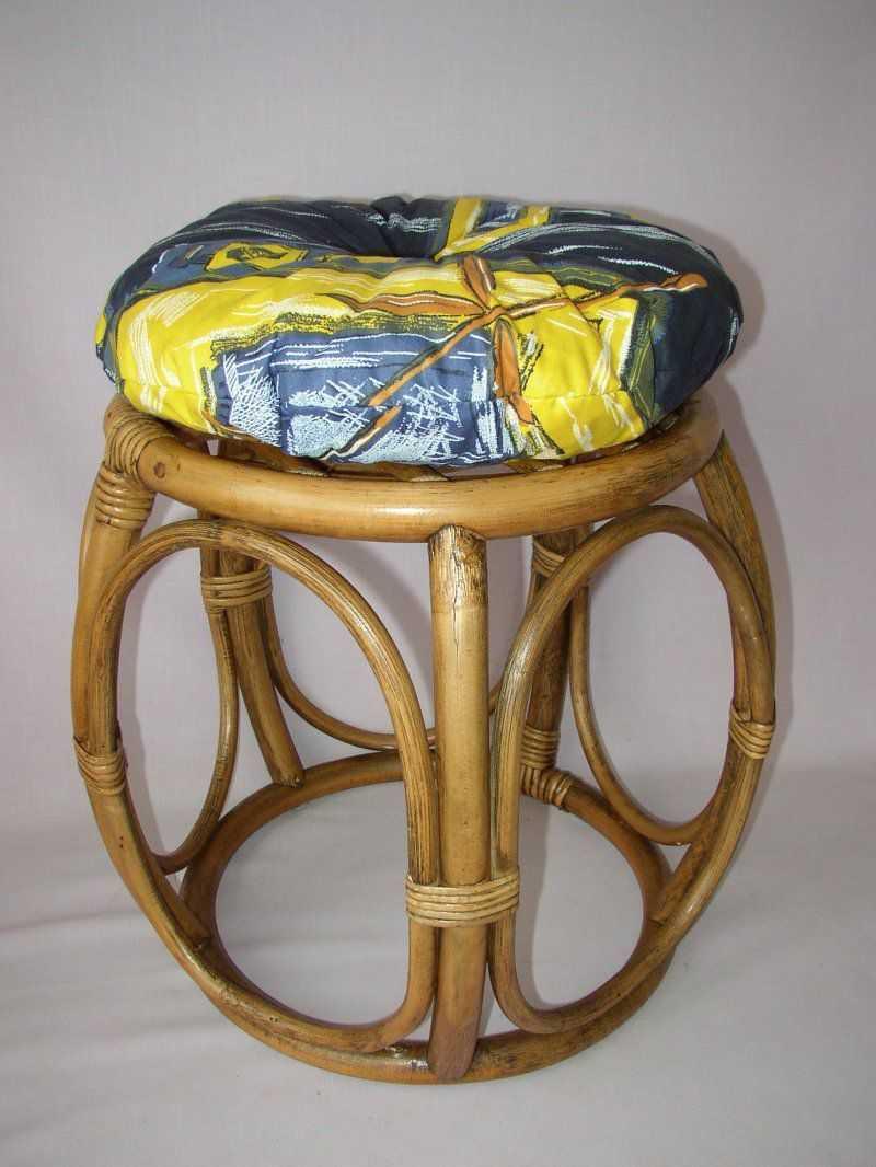 Ratanová taburetka brown wash široká polstr modrý list | RYCHLÉ DODÁNÍ