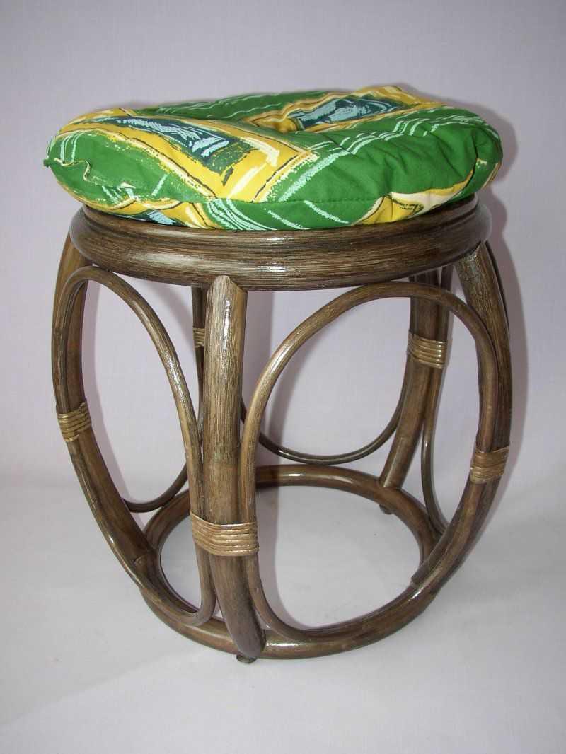 Ratanová taburetka široká hnědá polstr zelený | RYCHLÉ DODÁNÍ