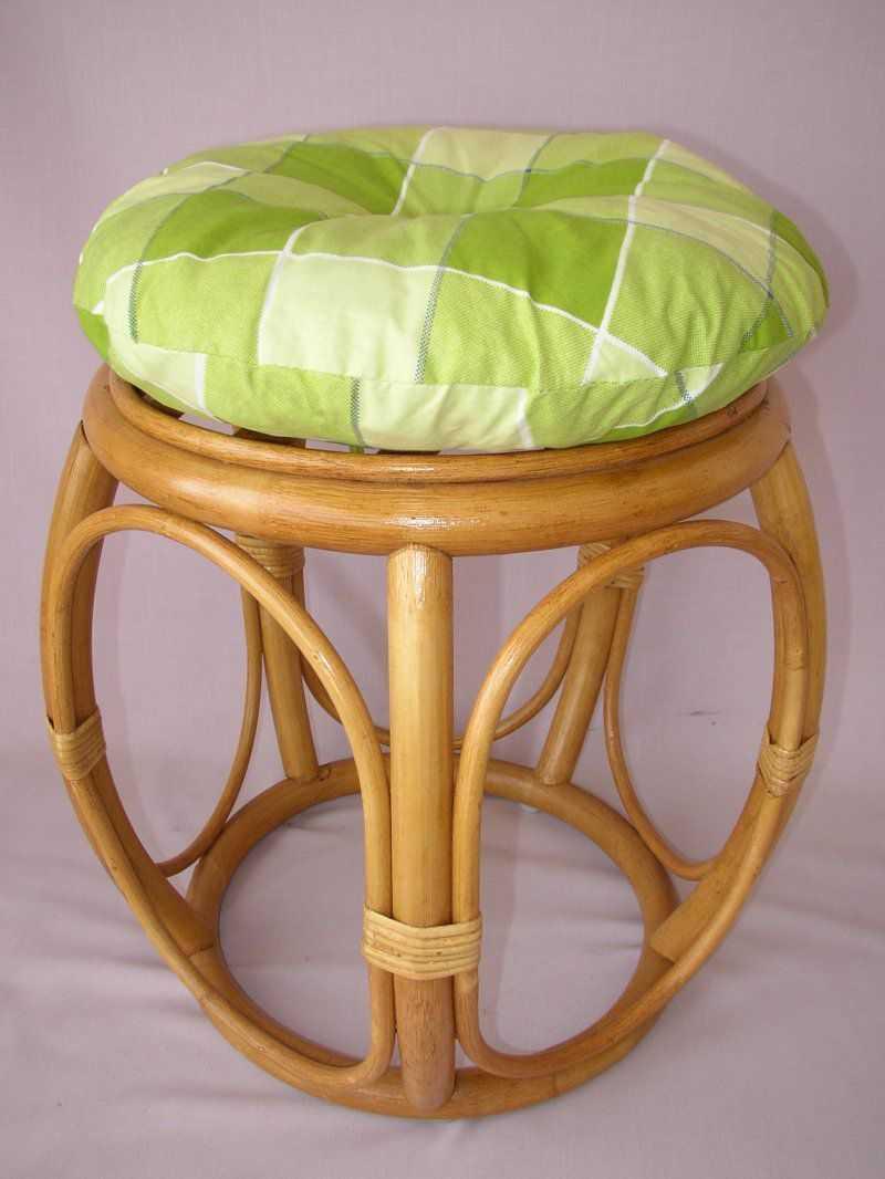 Ratanová taburetka široká medová polstr zelená kostka | RYCHLÉ DODÁNÍ