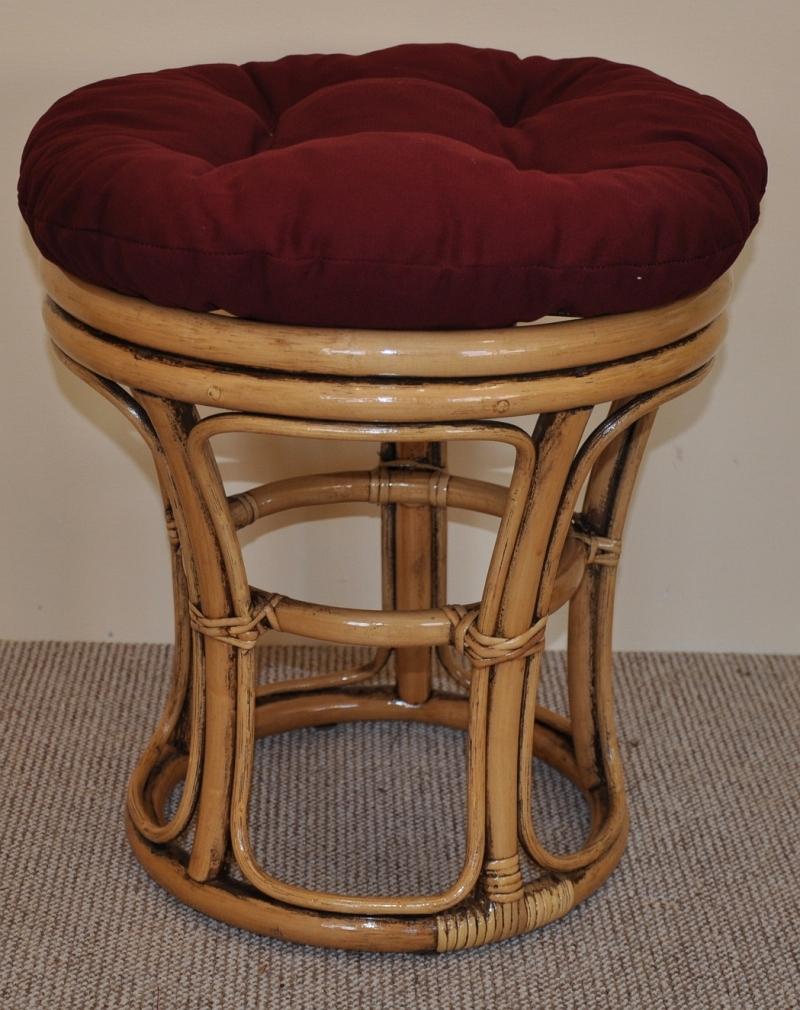 Ratanová taburetka úzká brown wash polstr vínový | RYCHLÉ DODÁNÍ