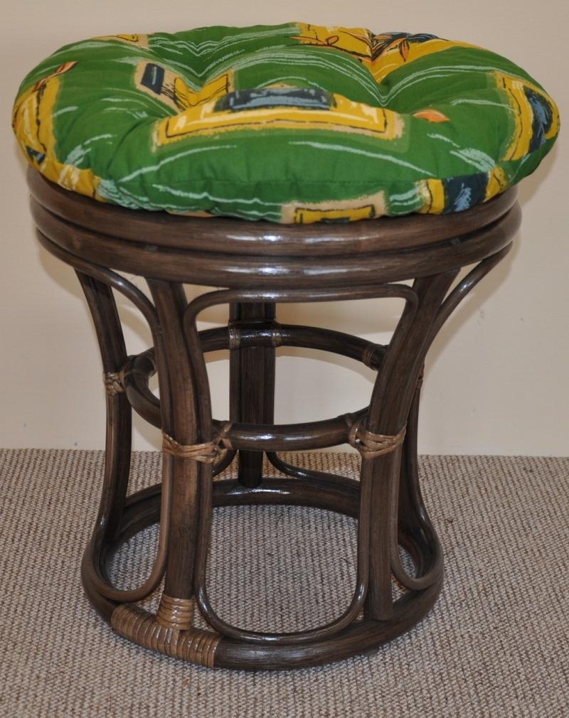 Ratanová taburetka úzká hnědá polstr zelený | RYCHLÉ DODÁNÍ