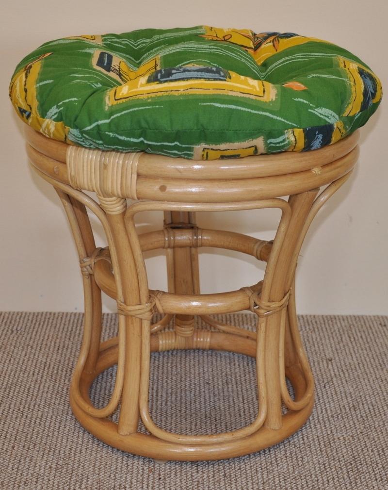 Ratanová taburetka úzká medová polstr zelený | RYCHLÉ DODÁNÍ