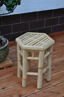 Bambusový stolek šestihran M