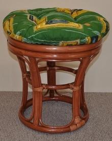 Ratanová taburetka úzká koňak, polstr zelený